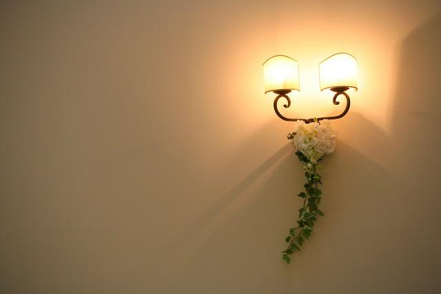 控え室の光